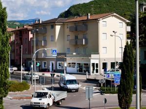 Hotel Rubino, Hotely  Nago-Torbole - big - 39