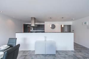 The Deluxe West End Apartment, Apartmány  Edinburgh - big - 12