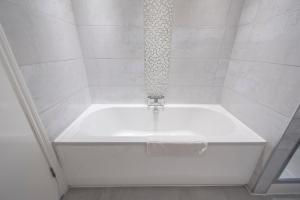 The Deluxe West End Apartment, Apartmány  Edinburgh - big - 45