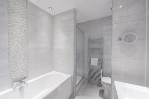 The Deluxe West End Apartment, Apartmány  Edinburgh - big - 46