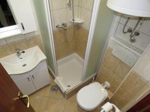 Apartments Staničić, Apartments  Brela - big - 80