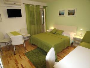 Apartments Staničić, Apartments  Brela - big - 50