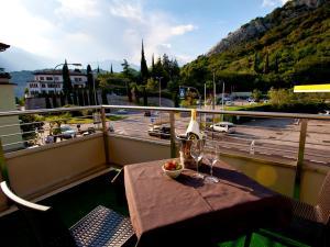 Hotel Rubino, Hotely  Nago-Torbole - big - 27