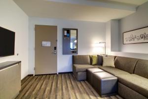 Люкс с кроватью размера «king-size» и ванной - Подходит для гостей с ограниченными физическими возможностями