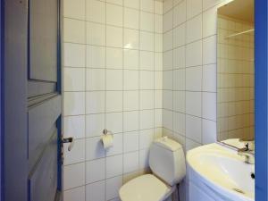 Two-Bedroom Apartment in Tjeldsto, Ferienwohnungen  Tjeldstø - big - 8