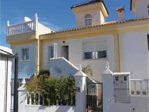Two-Bedroom Holiday home Rojales with an Outdoor Swimming Pool 07