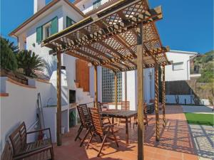 Four-Bedroom Holiday Home in St. Cebria de Vallalta, Case vacanze  San Cipriano de Vallalta - big - 6
