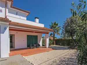 Four-Bedroom Holiday Home in St. Cebria de Vallalta, Nyaralók  San Cipriano de Vallalta - big - 5