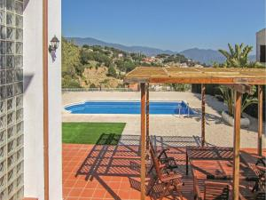 Four-Bedroom Holiday Home in St. Cebria de Vallalta, Nyaralók  San Cipriano de Vallalta - big - 33
