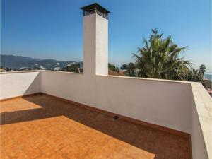 Four-Bedroom Holiday Home in St. Cebria de Vallalta, Nyaralók  San Cipriano de Vallalta - big - 32