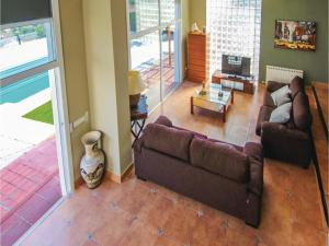 Four-Bedroom Holiday Home in St. Cebria de Vallalta, Nyaralók  San Cipriano de Vallalta - big - 18