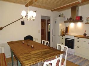 Two-Bedroom Accommodation in Ystad, Ferienhäuser  Ystad - big - 14