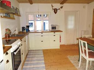 Two-Bedroom Accommodation in Ystad, Ferienhäuser  Ystad - big - 12