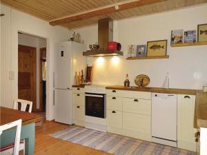 Two-Bedroom Accommodation in Ystad, Ferienhäuser  Ystad - big - 11
