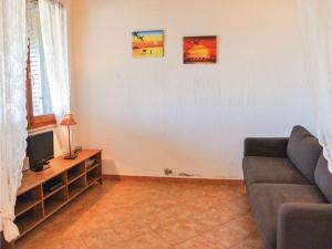 Holiday home Abbaurci III, Nyaralók  Tertenìa - big - 8