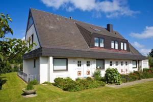 _Badezeit_, Apartmány  Wenningstedt - big - 3