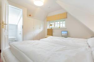 _Carin_ App_ 2, Apartmány  Wenningstedt - big - 11