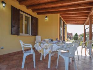Villa Le Coccinelle, Dovolenkové domy  Campofelice di Roccella - big - 15