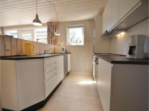 Holiday home Snedsted 60, Holiday homes  Stenbjerg - big - 18