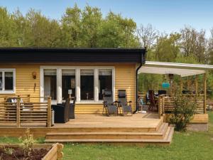 Four-Bedroom Holiday Home in Nattraby, Prázdninové domy  Karlskrona - big - 1