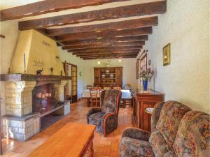 Holiday home A. Pouchiou, Case vacanze  Garrosse - big - 4