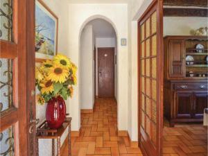 Holiday home A. Pouchiou, Case vacanze  Garrosse - big - 3