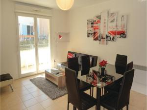 One-Bedroom Apartment in Carcassonne, Apartments  Carcassonne - big - 10
