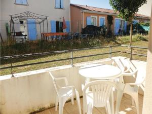 One-Bedroom Apartment in Carcassonne, Apartments  Carcassonne - big - 14
