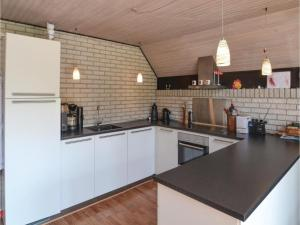 Two-Bedroom Holiday Home in Vaggerlose, Case vacanze  Bøtø By - big - 14