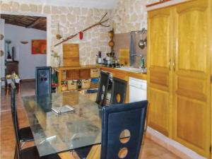 Four-Bedroom Holiday Home in Aubignan, Дома для отпуска  Обиньян - big - 16