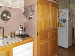 Four-Bedroom Holiday Home in Aubignan, Дома для отпуска  Обиньян - big - 12