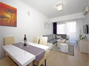 Apartment Makarska Zrinsko Frankopanska, Apartmanok  Makarska - big - 1