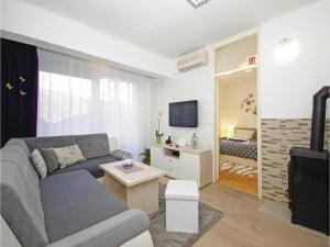 Apartment Makarska Zrinsko Frankopanska, Apartmanok  Makarska - big - 10
