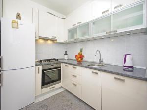 Apartment Makarska Zrinsko Frankopanska, Apartmanok  Makarska - big - 18