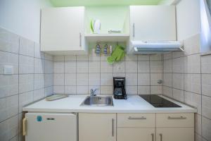 Apartments Staničić, Apartmány  Brela - big - 46
