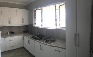 Insumi 10, Apartments  Uvongo Beach - big - 34