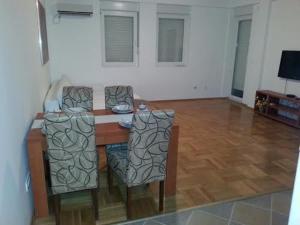 Bulatovic Five Stars Apartment, Apartmány  Bar - big - 17