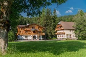 Bio-Holzhaus und Landhaus Heimat, Apartmány  Ramsau am Dachstein - big - 94