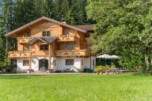 Bio-Holzhaus und Landhaus Heimat, Apartmány  Ramsau am Dachstein - big - 7