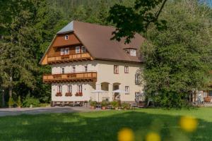 Bio-Holzhaus und Landhaus Heimat, Apartmány  Ramsau am Dachstein - big - 6