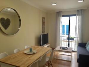 Ahro Suites, Apartmanok  Málaga - big - 63