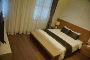 Hung Vuong Hotel, Hotel  Hanoi - big - 3