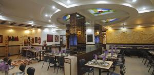 Hotel Suyash Deluxe, Отели  Пуне - big - 20