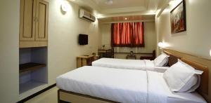 Hotel Suyash Deluxe, Отели  Пуне - big - 22