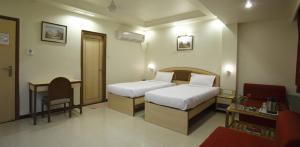 Hotel Suyash Deluxe, Отели  Пуне - big - 24