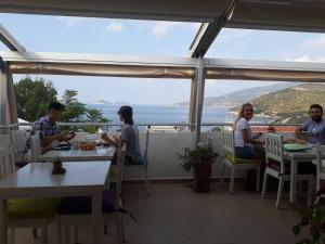 Courtyard, Hotels  Kalkan - big - 61