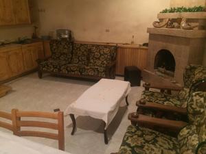 Guest House Nika, Penzióny  Gori - big - 32