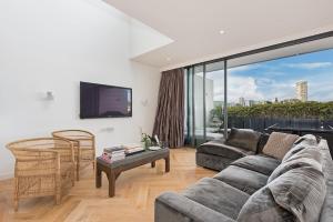 3 Bedroom Luxury Penthouse H375