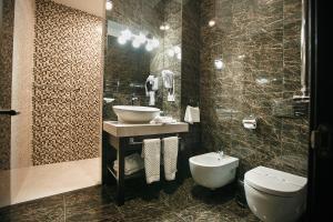 Tsunami Spa Hotel, Szállodák  Dnyipropetrovszk - big - 33