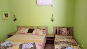 Guest House on Chernomorskaya 149a